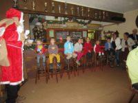 Weihnachtsmann, Beescherung